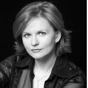 Tamara Alekseeva (Piano & Voz)